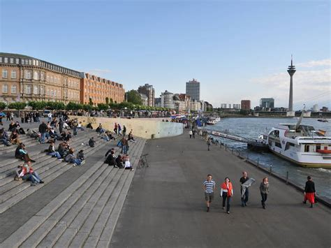travel tips   time duesseldorf visitors