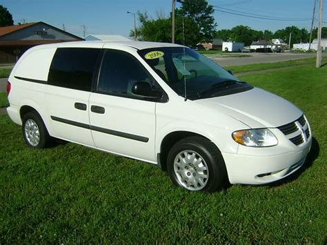 how to work on cars 2006 dodge caravan parking system purchase used 2006 dodge grand caravan cargo van 3 3l v6 work shelves clean carfax low miles in