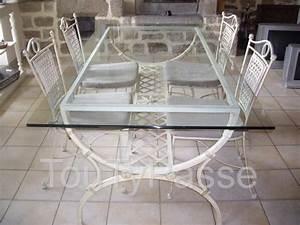Table Verre Et Fer Forgé : table avec plateau en verre et 4 chaises en fer forg bois et chiffons plon vez porzay 29550 ~ Teatrodelosmanantiales.com Idées de Décoration