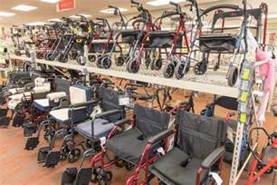the differences between transport chairs and wheelchairs