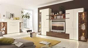Wohnwand Mit Kleiderschrank : salas modernas con muebles tv espacio de entretenimiento diseno casa ~ Frokenaadalensverden.com Haus und Dekorationen