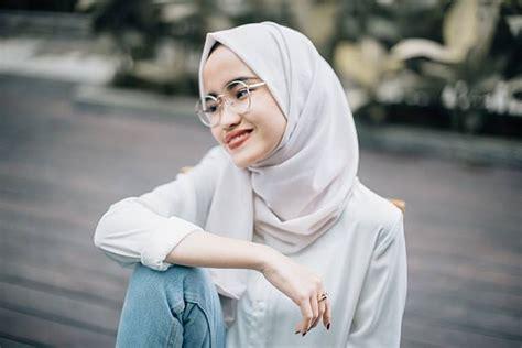 padu padan fashion hijab  atasan putih