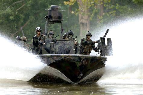 Mark V Special Operations Craft | Military.com
