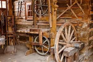 Altes Werkzeug Holzbearbeitung : alte rostige werkzeuge f r die holzbearbeitung stockfoto colourbox ~ Watch28wear.com Haus und Dekorationen