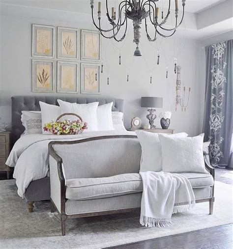 End Of Bed Loveseat by 1000 Ideas About Bedroom Sofa On Tv Covers