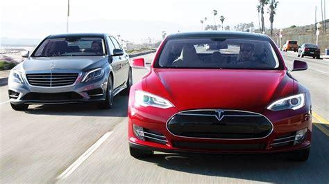 Tesla Model S vs Mercedes S Class (VIDEO)
