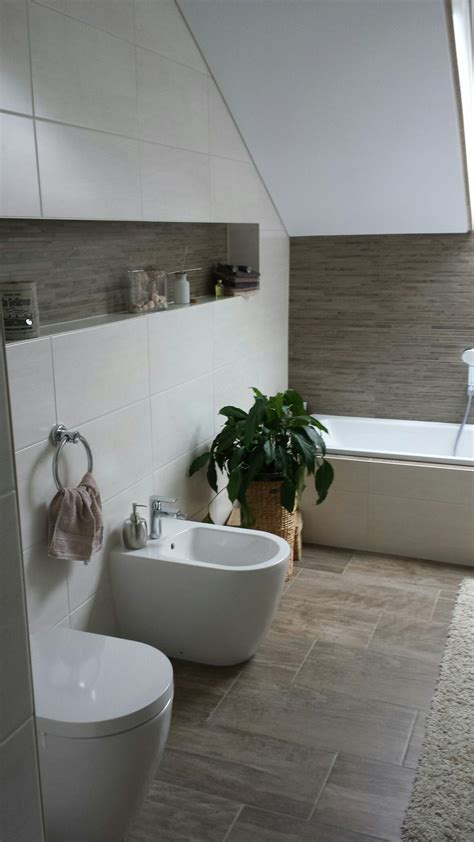 badezimmer fliesen  holzoptik   badezimmer