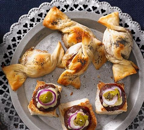 puff pastry canape ideas brie cranberry twists food