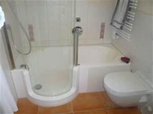 Mini Badewannen Kleine Bäder : die 38 besten bilder von kleine badezimmer mit badewanne small half baths showers und small ~ Frokenaadalensverden.com Haus und Dekorationen