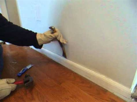 How to remove wood molding, quarter round, baseboard