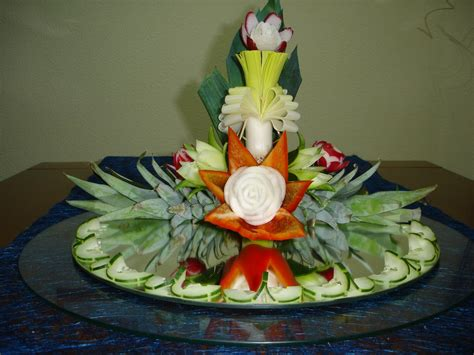 how to make a decoration for centerpiece art with fruit
