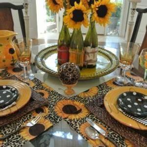 Tischdeko Mit Sonnenblumen : tischdekoration ausw hlen tipps ideen und vorschl ge ~ Lizthompson.info Haus und Dekorationen