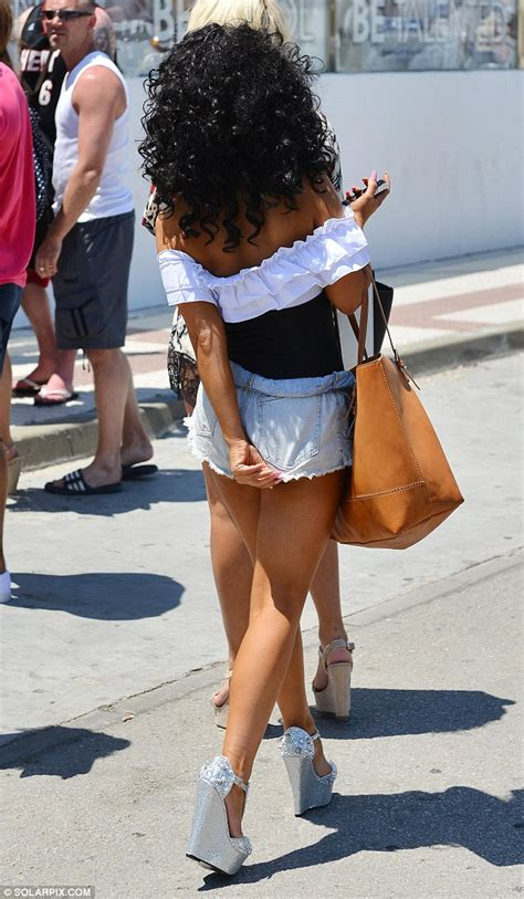 waterloo road actress chelsee healey struggles with her