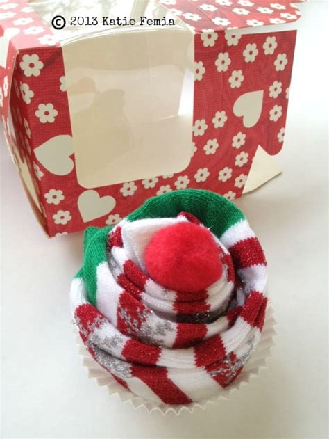 diy sock cupcake gift idea