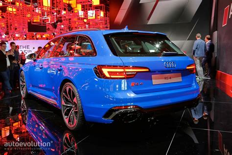 The New 450 Hp Audi Rs4 Avant Does 0-100 Km/h In 4.1