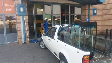 Boat Shop Voortrekker Road by Mzansi Windscreen Replacements 340 Photos 5 Reviews