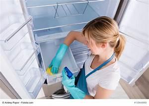 Kühlschrank Richtig Reinigen : k hlschrank richtig reinigen gelsenwasser blog haushaltstipps ~ Yasmunasinghe.com Haus und Dekorationen