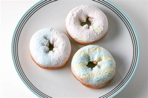 how to color powdered sugar colored powdered sugar tutorial decorating ideas