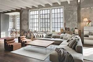 Sofas for large rooms 10 tips for styling large living for Large sectional sofa in small living room