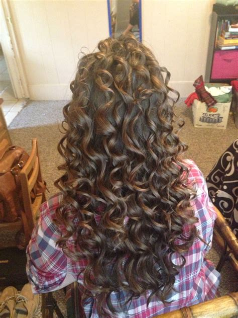 Take a look at the tips of this steam perm ringlet curl! Pin on curly