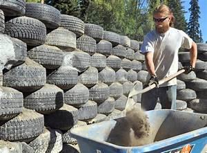 Construire Un Mur En Pierre : ma poubelle est un jardin recyclage des pneus usag s ~ Melissatoandfro.com Idées de Décoration