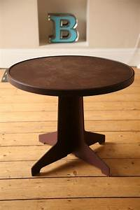 Vintage bakelite coffee table cream and chrome for Antique cream coffee table