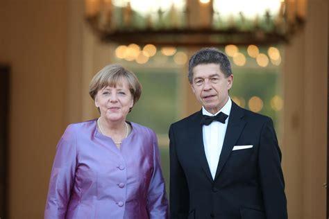 Photo by sean gallup/getty images. Angela Merkel: Geht die Kanzlerin allein in den Ruhestand ...