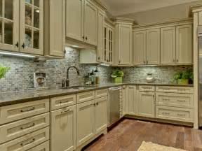 classic kitchen backsplash kitchen traditional kitchen backsplash design ideas wainscoting closet shabby chic style
