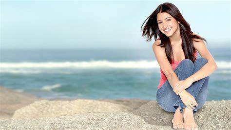 actress anushka sharma wallpapers hd wallpapers id
