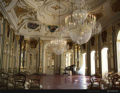 carriage light chandelier baroque interior 2005