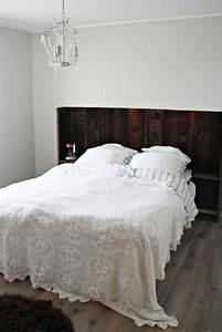 Lit Design Bois : t te de lit design et t te de lit faite maison 42 id es originales ~ Teatrodelosmanantiales.com Idées de Décoration