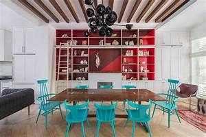 Chaises De Couleur Pour Salle A Manger : chaises design devenues le bijou d co dans l ameublement d une salle manger l gante design ~ Teatrodelosmanantiales.com Idées de Décoration