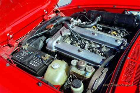 Alfa Romeo Engine by Alfa Romeo Spider Review And Photos