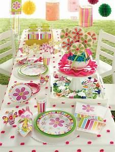 decoration table anniversaire 50 propositions pour l39ete With salle de bain design avec décoration de table anniversaire 1 an