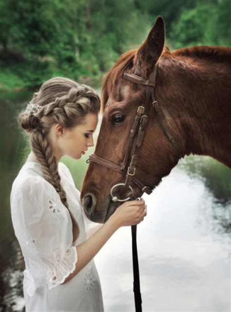 horse human horses touching woman face emotions faces angry standing read between riding sciencedaily forehead facial expression able reading distinguish
