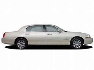 2003 Lincoln Town Car Reviews