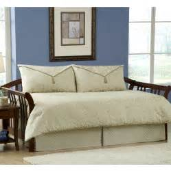 white daybed bedding bukit