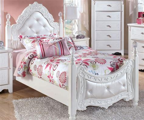 Bedroom Fashionable Kids Girl Bedroom Design Using White