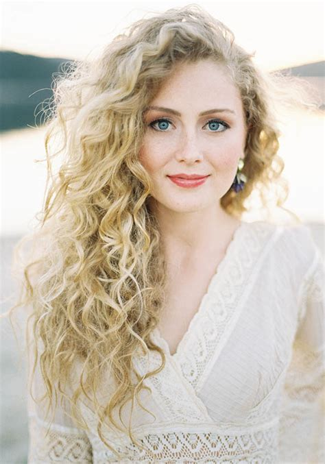 Blond E Hair And by Top 15 Amazing Curly Hairstyles With Hair
