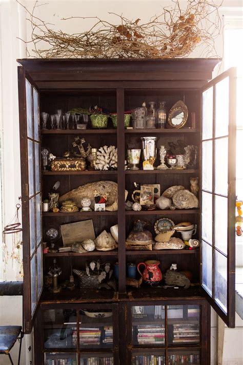 Cabinets De Curiosité by 1000 Ideas About Curio Cabinets On Pulaski