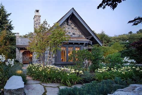Elegant City Stone Cottage in Lush Garden Setting