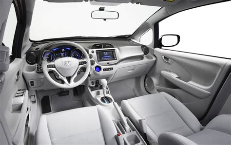 Maybe you would like to learn more about one of these? Auto Blog: Honda fit 2012 especial fotos