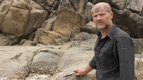survivorman stroud les survival urine drinking untold truth hog hunting tips beneficial actually