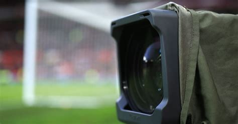 What channel is Manchester United vs Leeds? TV and live ...