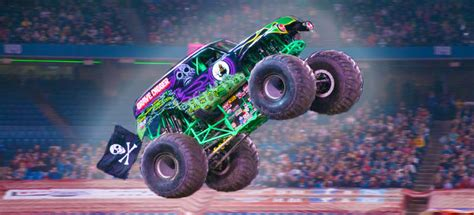 grave digger monster trucks the story behind grave digger the monster truck everybody
