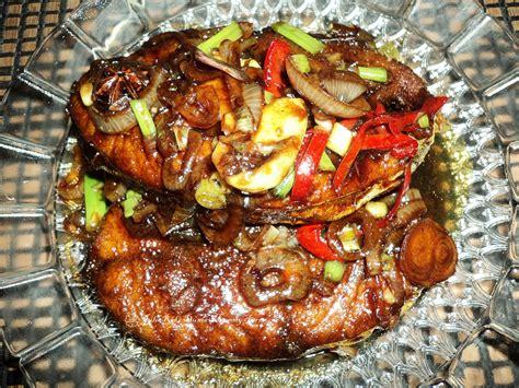Untuk mengetahui lebih detail tentang aneka resep masakan ayam yang bisa dicoba di rumah, anda bisa mencoba salah satu resep masakan ayam mudah di bawah ini. Dunia MummyAaron: Ikan Tenggiri Masak Kicap