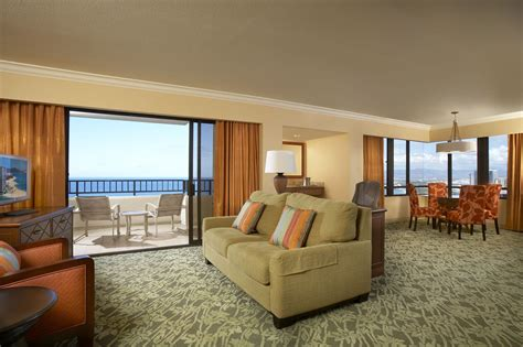 2 Bedroom Suites Honolulu by Hawaiian Rooms Suites Photo Gallery