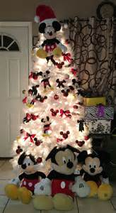 25 best ideas about mickey mouse christmas on pinterest mickey mouse ornaments mickey mouse
