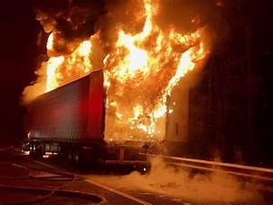 Light Up Fest Hours Tractor Trailer Fire Closes Northbound I 95 For Hours