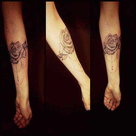 tatouage femme avant bras interieur